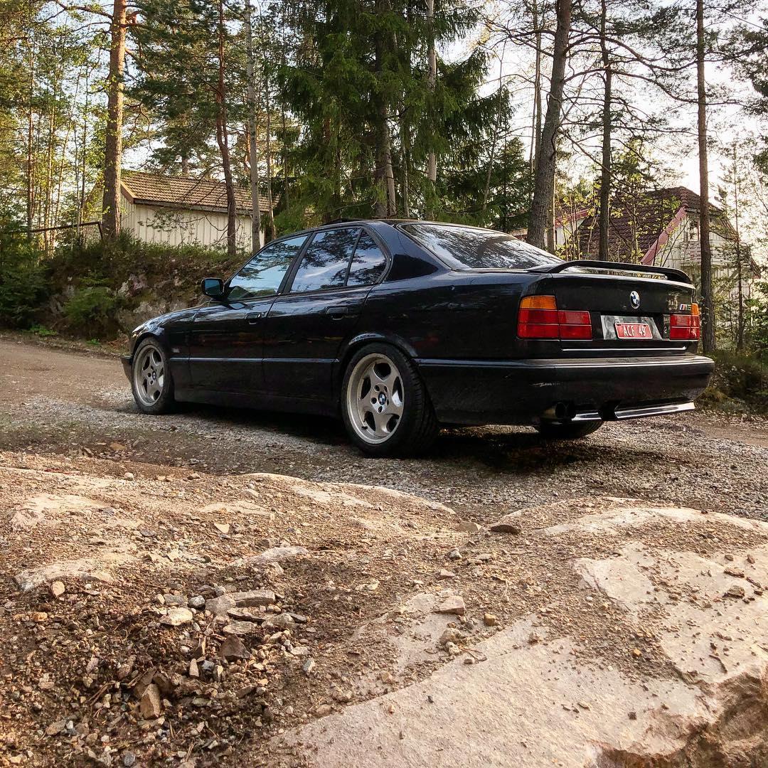 Bmw style 21 wheels e32